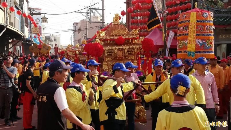 台中梧棲浩天宮徒步到北港朝天宮遶境進香7天,今年預定11月1日舉行。(資料照,記者歐素美攝)