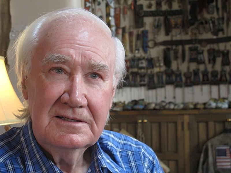 芬恩說,他只是想為人們提供老派冒險和探險致富的機會。(美聯社)