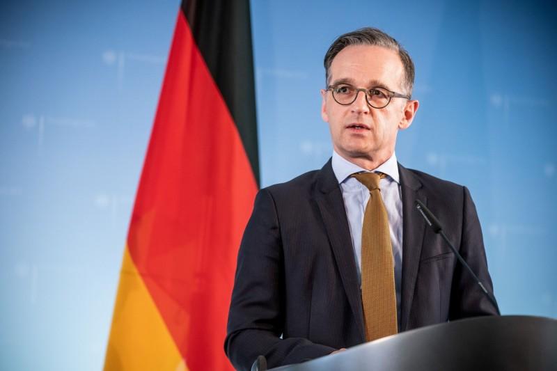 針對美國計畫將駐紮在德國的美軍撤走9500人,超過總數的4分之1;對此德國外交部長馬斯(見圖)也打破沉默,稱駐德美軍符合德美2國利益,但也坦言自川普上台後,雙方長達10多年的緊密關係如今變得「相當複雜」。(路透)