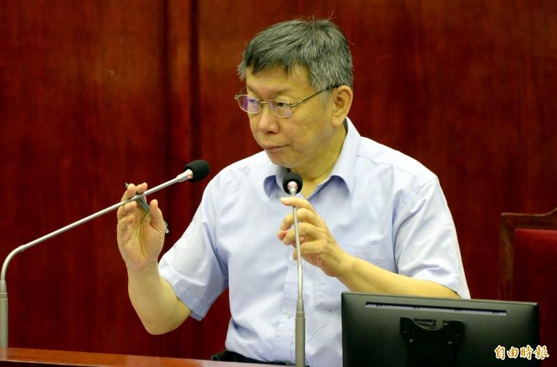 台北市長柯文哲今下午赴議會市政總質詢。(記者林正堃攝)