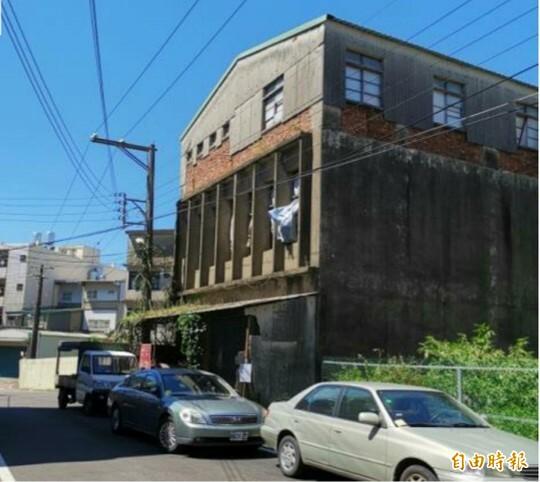 新竹縣鼓勵民眾自主更新重建都市計畫區內的危險老舊建物。(記者黃美珠攝)