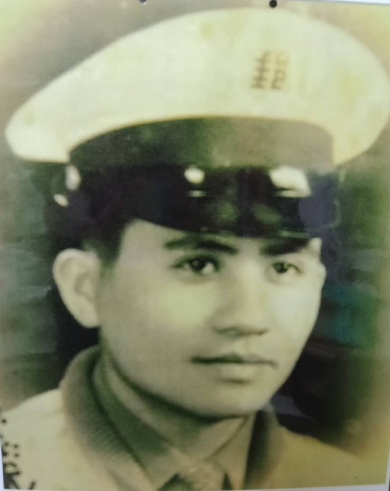 花蓮郵務士吳威正是原住民阿美族勇士,1974年涉水送信殞命,當年才20多歲,多年來一直是吳家人心中的痛。(縣議員徐雪玉提供)
