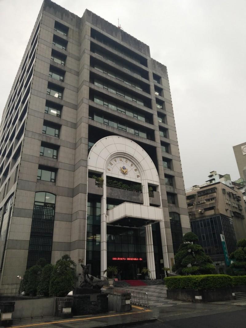三圓建設董事長王光祥4月間遭人遞送兩顆子彈恐嚇案,台北市警方今日再次借訊收押中的黎姓嫌犯。(資料照)
