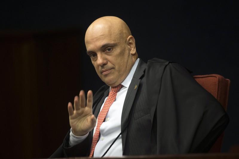 巴西憲法法庭「巴西最高法院」11位大法官之一的莫雷斯(見圖)發表聲明表示,隱瞞數據可能阻擾人民了解政府對抗疫做出的努力,使公眾利益受到影響,並對國家全體防疫工作造成「災難性的後果」。(歐新社)