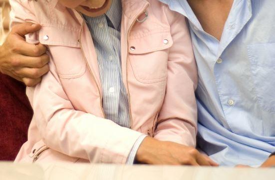 已婚陳男性侵女網友被判刑。(情境照)
