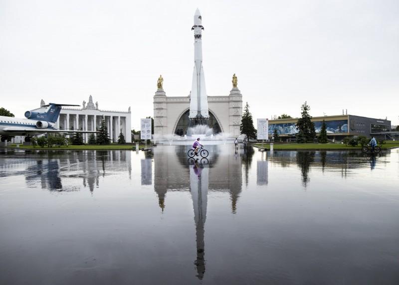 武漢肺炎(新型冠狀病毒病,COVID-19)持續在俄羅斯蔓延,該國今日新增8779例確診,使全國累計確診突破50萬人,目前位居世界第三高。(美聯社)