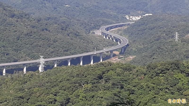 南迴改安朔─草埔路段(427k+300~437k+600)行車速限將由時速60公里提升至70公里。(資料照)