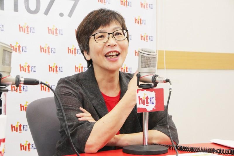 民眾黨立委蔡壁如接受廣播專訪。(「Hit Fm《周玉蔻嗆新聞》製作單位提供)