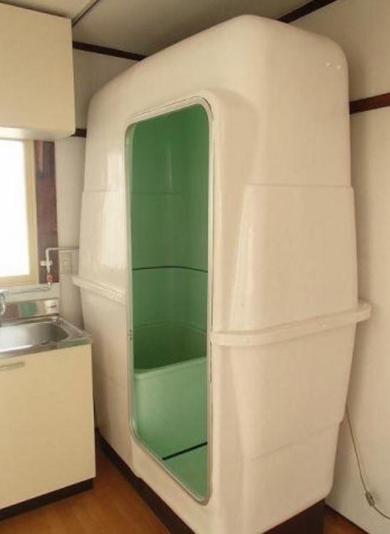 充滿未來感的整體浴室,竟是昭和時期的產品。(圖擷取自推特)