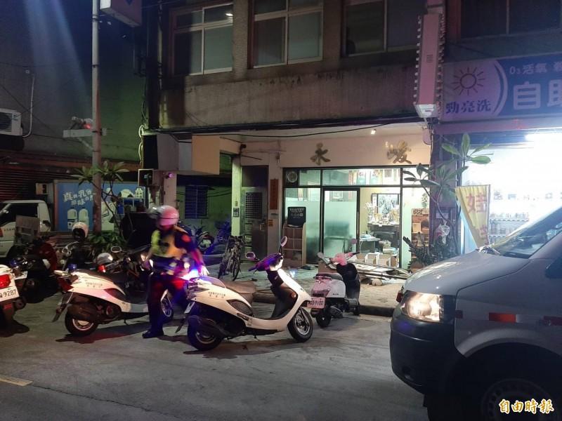 北市萬華區民和街的工程行今日凌晨發生鬥毆事件。(記者劉慶侯攝)