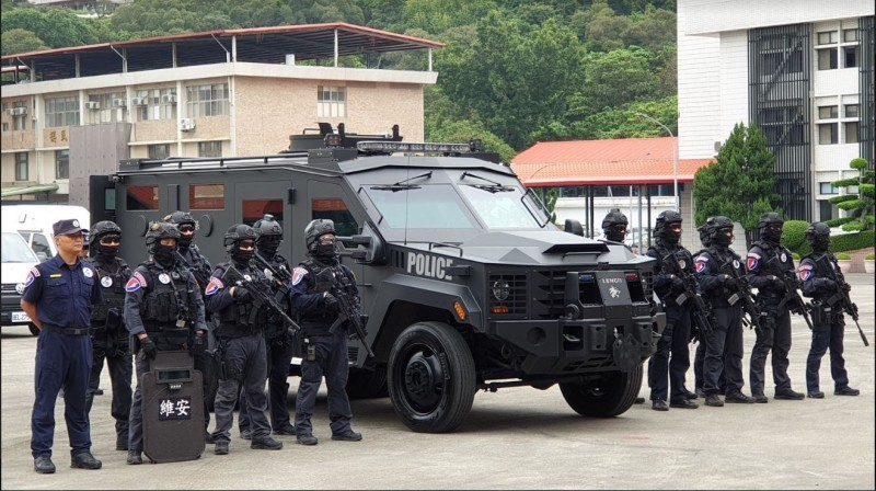 警政署保一總隊重資購買的Lenco Bearcat G2輪式裝甲車。(記者劉慶侯翻攝)