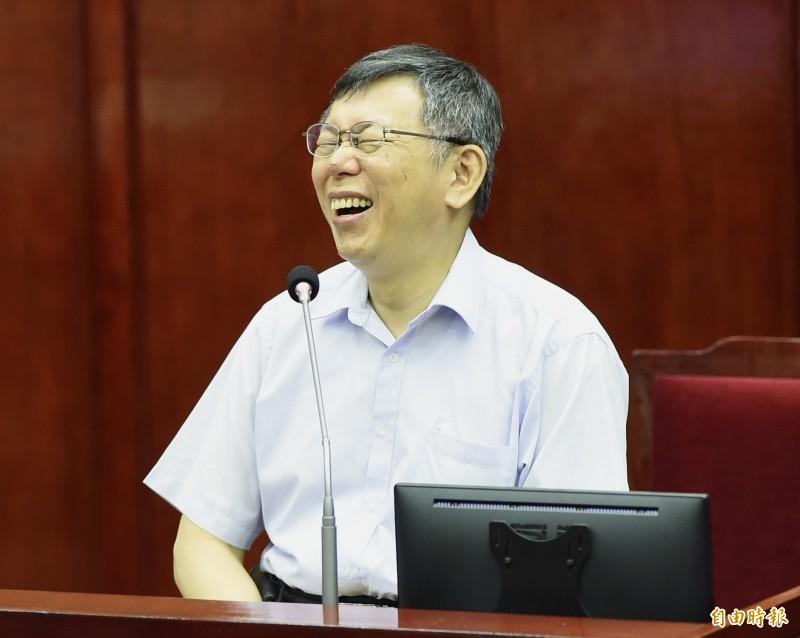 健保自付差額8大類醫材爭議不休,身兼台灣民眾黨主席的台北市長柯文哲13日受訪直言,「很想問是哪個白癡跟他(指陳時中)建議的?」(資料照)