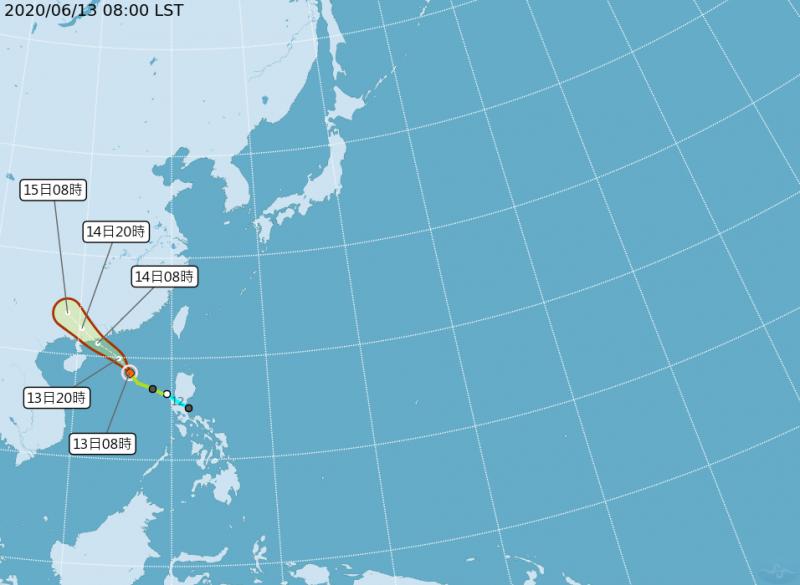 輕颱鸚鵡不會直接侵襲台灣,不過仍會對台構成間接影響。(擷取自中央氣象局)