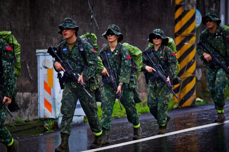 陸軍特1營展開15天350公里戰術行軍