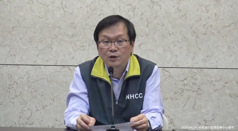 衛福部疾管署副署長莊人祥表示,根據檢驗結果,高雄校園上呼吸道群聚感染研判為鼻病毒所引起。(資料照,指揮中心提供)