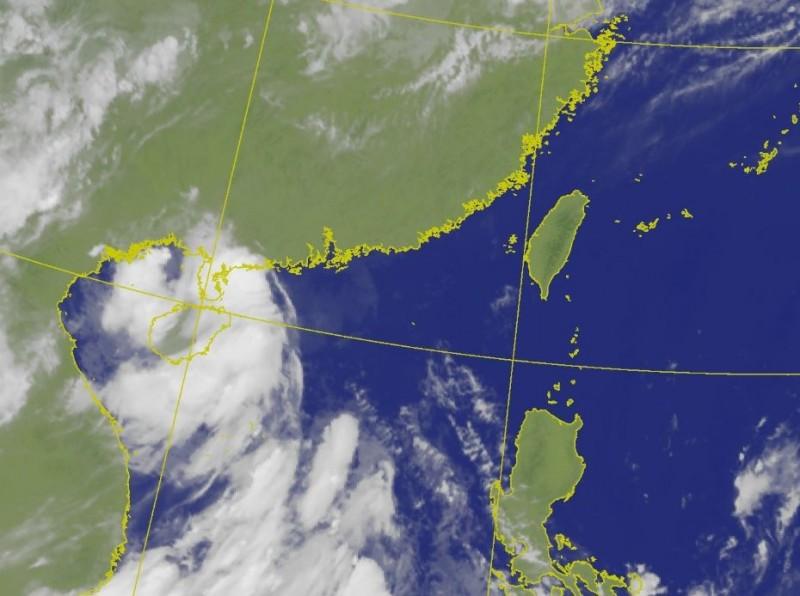 「鸚鵡」颱風已於今(上午8點50分登陸廣東,持續以西北方向前進深入內陸,預計下午減弱為熱帶低壓。(圖擷自中央氣象局)