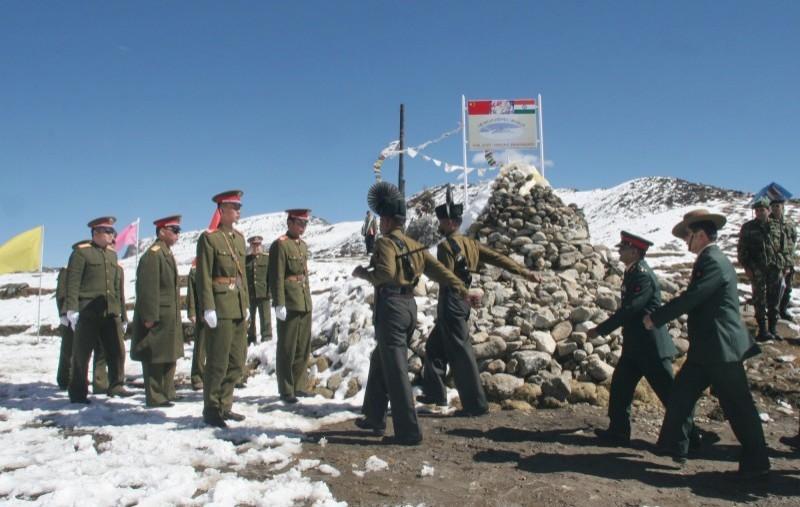 中印邊境情勢升溫,兩國軍隊紛紛增援邊境,雙方隔空對峙,甚至傳出丟石、互毆等衝突。(法新社資料照)