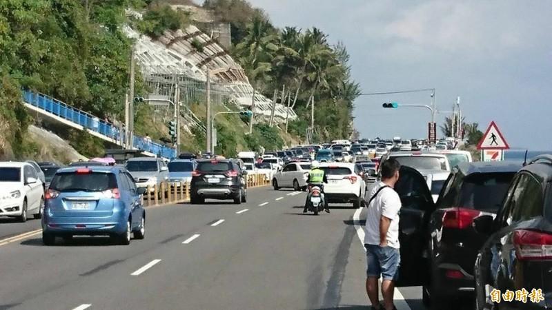 維護端午連假交通順暢與安全,公路總局啟動交管疏運計畫,籲用路人配合遵守。(記者陳賢義攝)