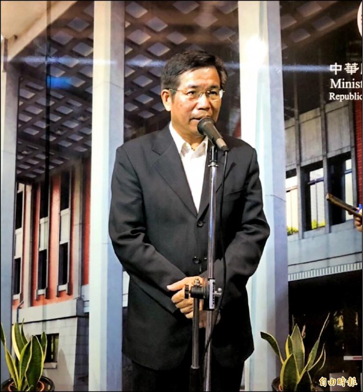 教育部長潘文忠表示,教育部已著手研修國民教育法和高級中等教育法,在開設雙語班或設立雙語學校方面作努力。(記者林曉雲攝)