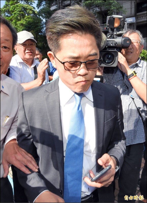 黃健庭昨強調,若人事案得不到國民黨的祝福,就會退出被提名。(記者廖振輝攝)