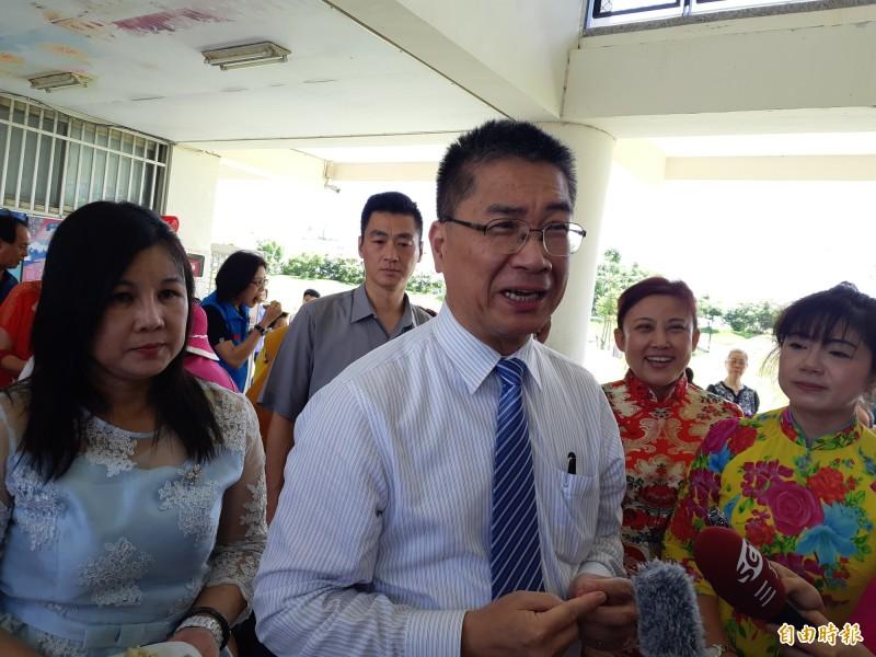 內政部長徐國勇在台東接受媒體訪問,避談黃健庭監院人事風波。(記者黃明堂攝)
