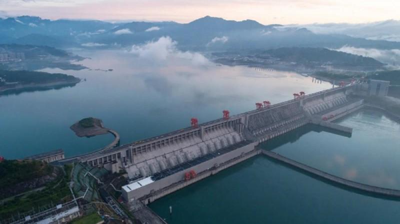 中國三峽大壩。(圖擷取自微博)