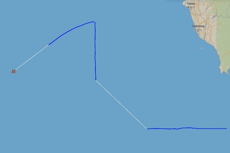 空軍廣播當時也有一架美軍EP-3E偵察機編號156511在該空域活。(記者蔡宗憲翻攝)