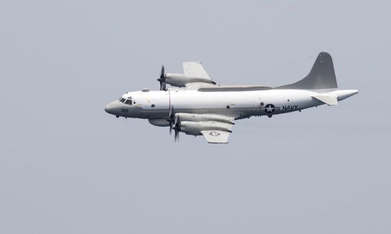 今上午美國則有一架電偵機在我國西南空域現蹤,在一度往台灣海峽飛來後,又大幅度左轉往海南島方向飛去。圖為EP-3E電偵機。(法新社)