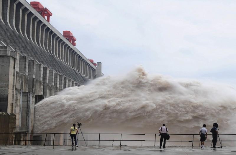 長江流域危險了!中國氣象台警報:最強暴雨將至