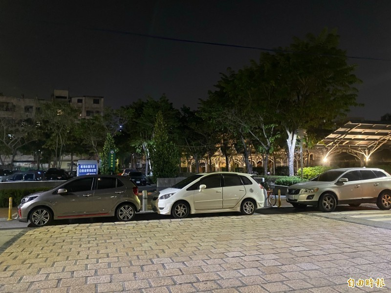 中國廣州一名男子近日準備開車出門,打開車門卻發現裡面躺著兩名男童,送醫雙雙不治。示意圖與本新聞無關。(資料照)