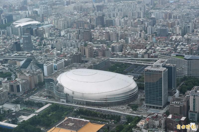 台北市政府今天簽准大巨蛋建照變更設計,可望6月底之前核發建照復工。(資料照)