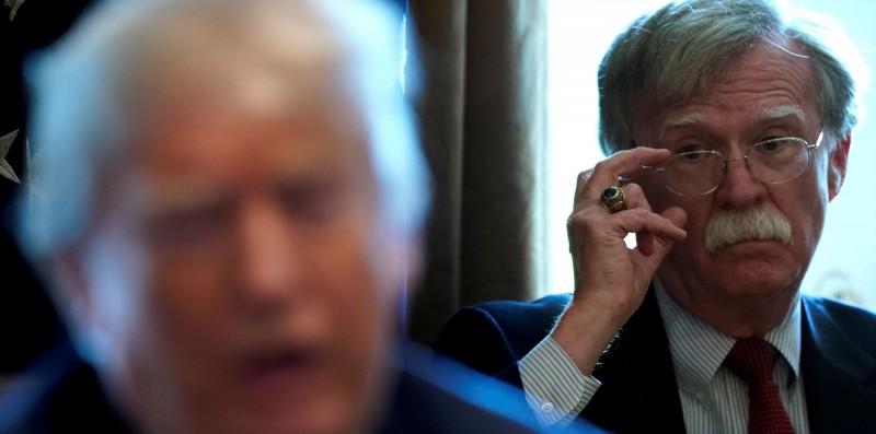 美國前國家安全顧問波頓(見圖)在新書內透露,他在2019年7月訪日時曾向日本政府傳達,美國總統川普要求日方每年需負擔約80億美元(約新台幣2367億元)的軍費,「否則就將駐日美軍全部撤走」。(路透)