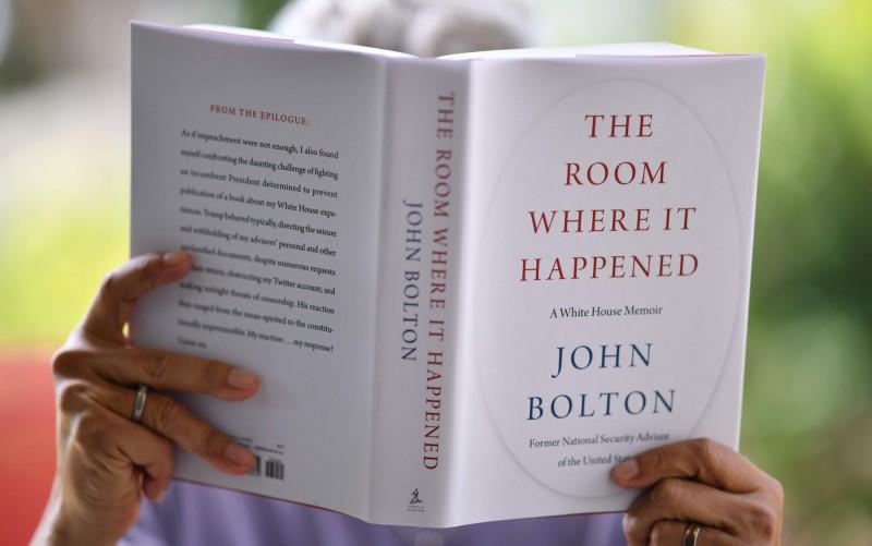 《事發之室─白宮回憶錄》(The Room Where It Happened : A White House Memoir)為波頓的最新著作。(法新社檔案照)