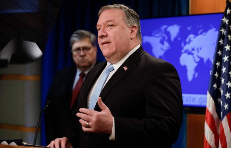 美中外交高層日前進行會談,美國國務卿龐皮歐23日透露,中方在會中對美國對台販售F-16系列戰機表達不滿,不過他強調對台軍售完全適當。(法新社)