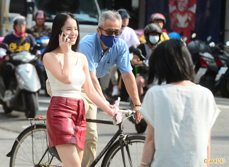 中央氣象局指出,今天(24日)花蓮縣縱谷、台北市盆地有38度極端高溫出現的機率。(資料照)