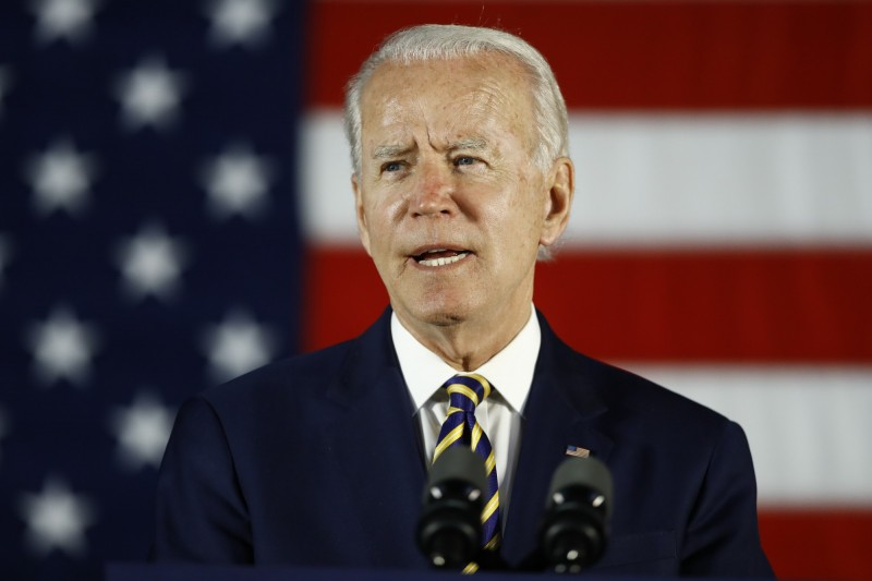 消息人士聲稱,數十名共和黨出身、前美國國安官員正在籌組一個支持民主黨總統候選人拜登的組織。(美聯社)