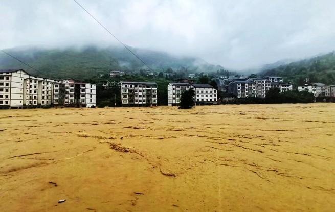 中國貴州暴雨,災情正在增加當中。(圖擷取自網路)