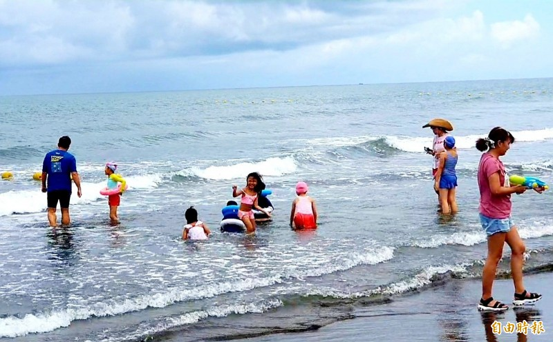 雲嘉南濱海國家風景區管理處整修改妝「馬沙溝濱海遊憩區」,今重新開張試營運。(記者王涵平攝)