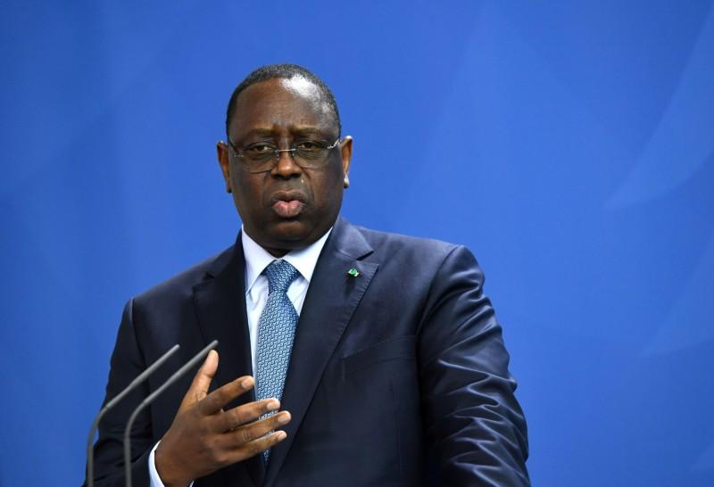 塞內加爾總統薩爾(Macky Sall)驚傳曾和武漢肺炎(新型冠狀病毒病,COVID-19)確者患者接觸,他已於24日開始展開14天的自主隔離。(路透)