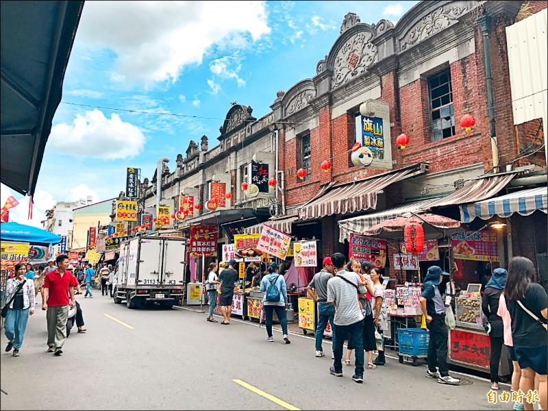 旗山老街在連假首日,未見大量遊客湧入。(記者許麗娟攝)