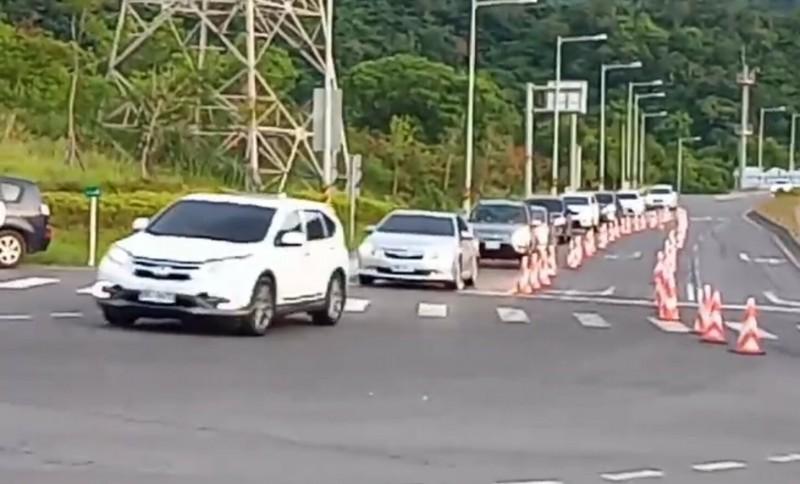 蘇花路廊昨天南下車流量2萬400輛。(資料照,記者江志雄翻攝)