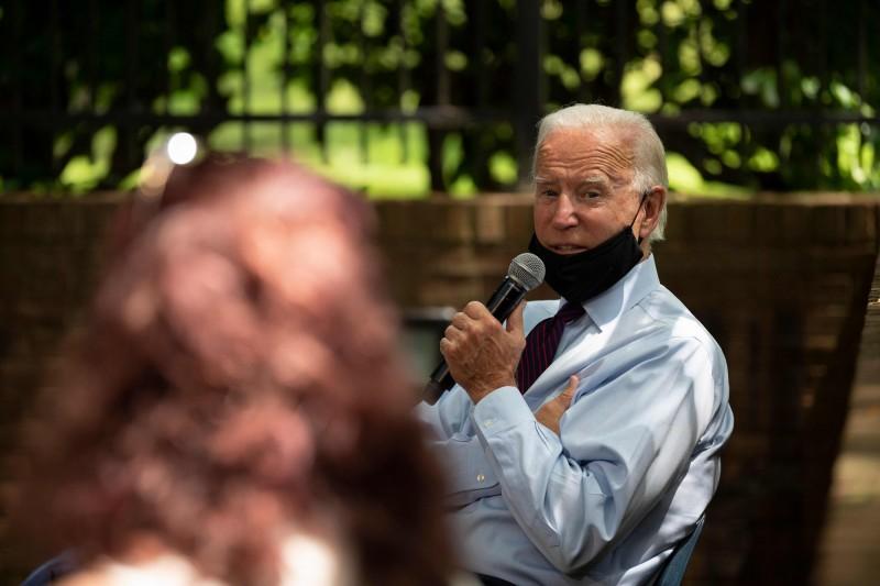 美國民主黨擬參選人拜登(見圖)25日在賓州蘭卡斯特發表造勢談話。(法新社)