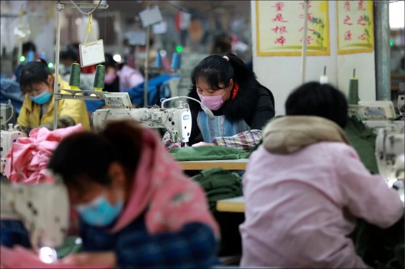 根據美國網路安全公司25日報告,至少已有兩家在中國做生意的外資企業被中國的銀行要求下載藏有惡意程式的報稅軟體。(美聯社檔案照)