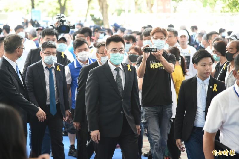 國民黨主席江啟臣今參加前高市議長許崑源告別式。(記者張忠義攝)