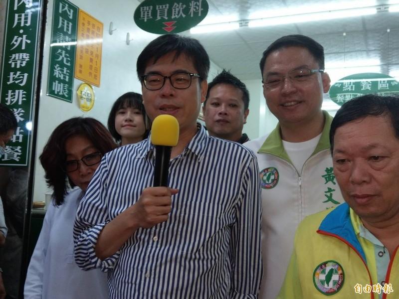 國民黨立院黨團攻佔立委,陳其邁(左2)呼籲藍營不要過多抹黑及激化對立。(記者方志賢攝)