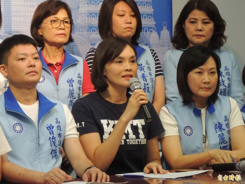 國民黨高雄市長補選參選人李眉蓁批評陳菊,被綠營提醒政治不該超越人性,她回嗆私人交情跟市政治理是兩回事。(記者王榮祥攝)