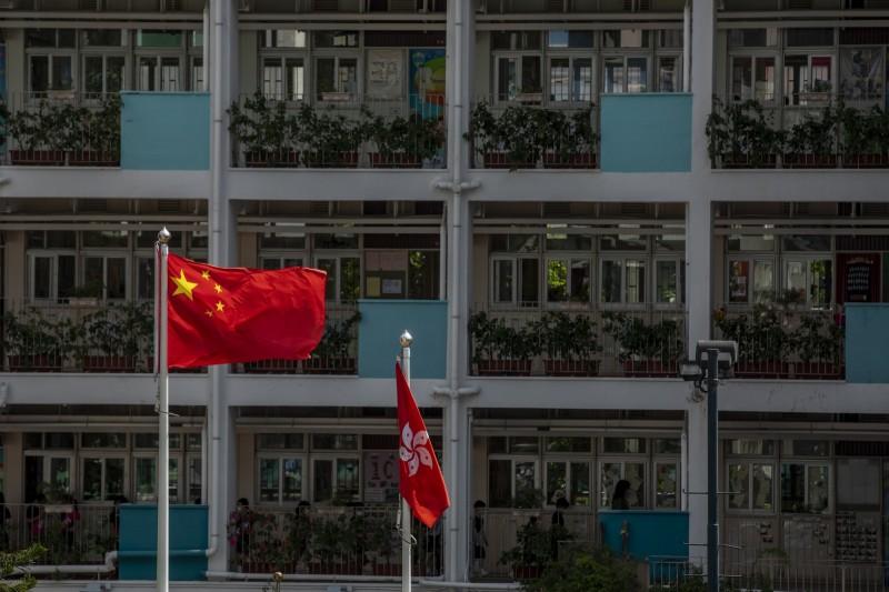 近期傳出「港版國安法」將通過,而寒蟬效應也早已開始打擊香港泛民派。(彭博)