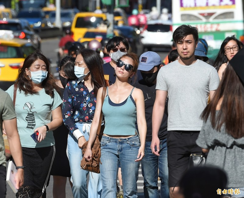 台北盆地的熱島效應越來越放大,以後這樣的熱浪可能會成為常態。(資料照)