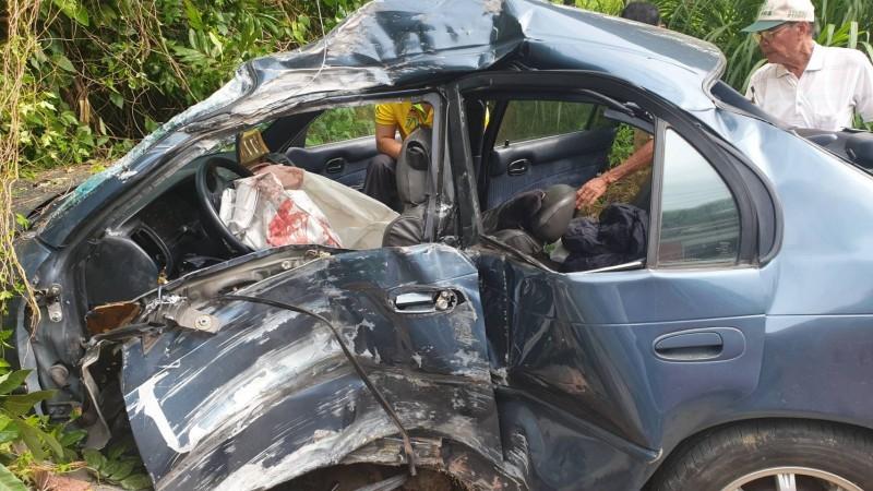 嘉義縣大華公路發生自撞死亡車禍,造成1死2傷。(讀者提供)
