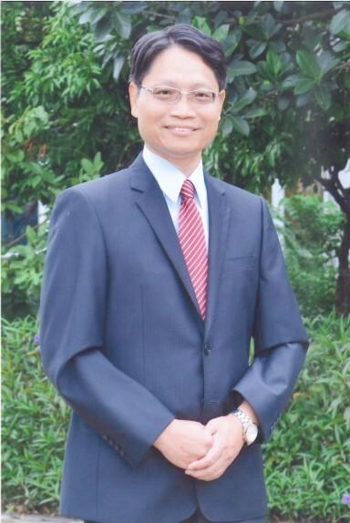 新竹市新科國中校長彭元豐將轉任竹光國中校長。(記者洪美秀翻攝)